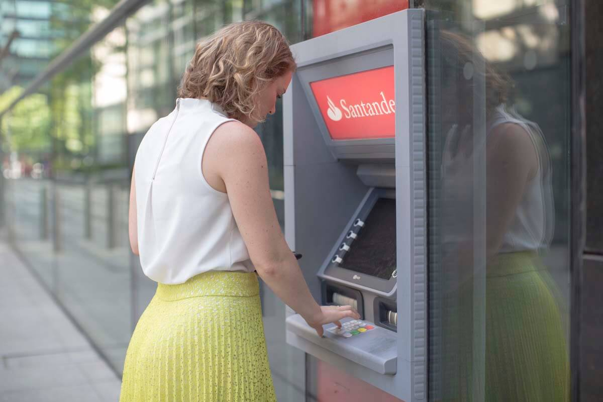 nộp tiền nhanh chóng với Cash-machine